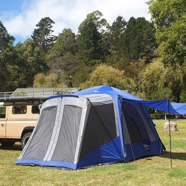 sports tent on 4wd vehicle